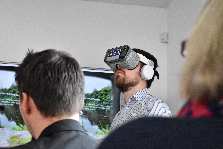 eCom VR.jpg